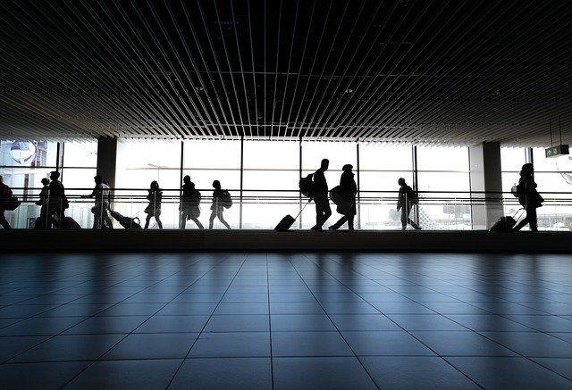 Reizen gemakkelijker door vervallen quarantaineplicht en dekking oranje gebieden door Allianz